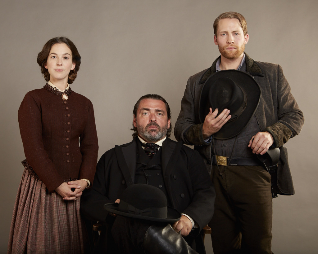 The Pinkertons (L-R) Angus Macfadyen as Allan Pinkerton, Martha MacIsaac as Kate Warne, Jacob Blair as William Pinkerton