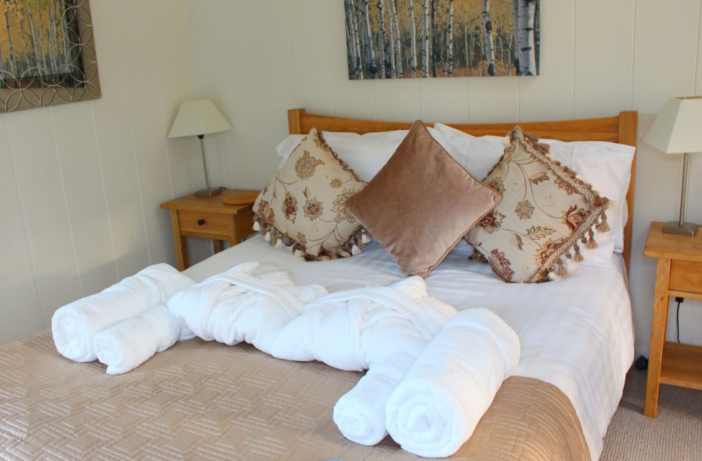 furrow fields lodge master bedroom