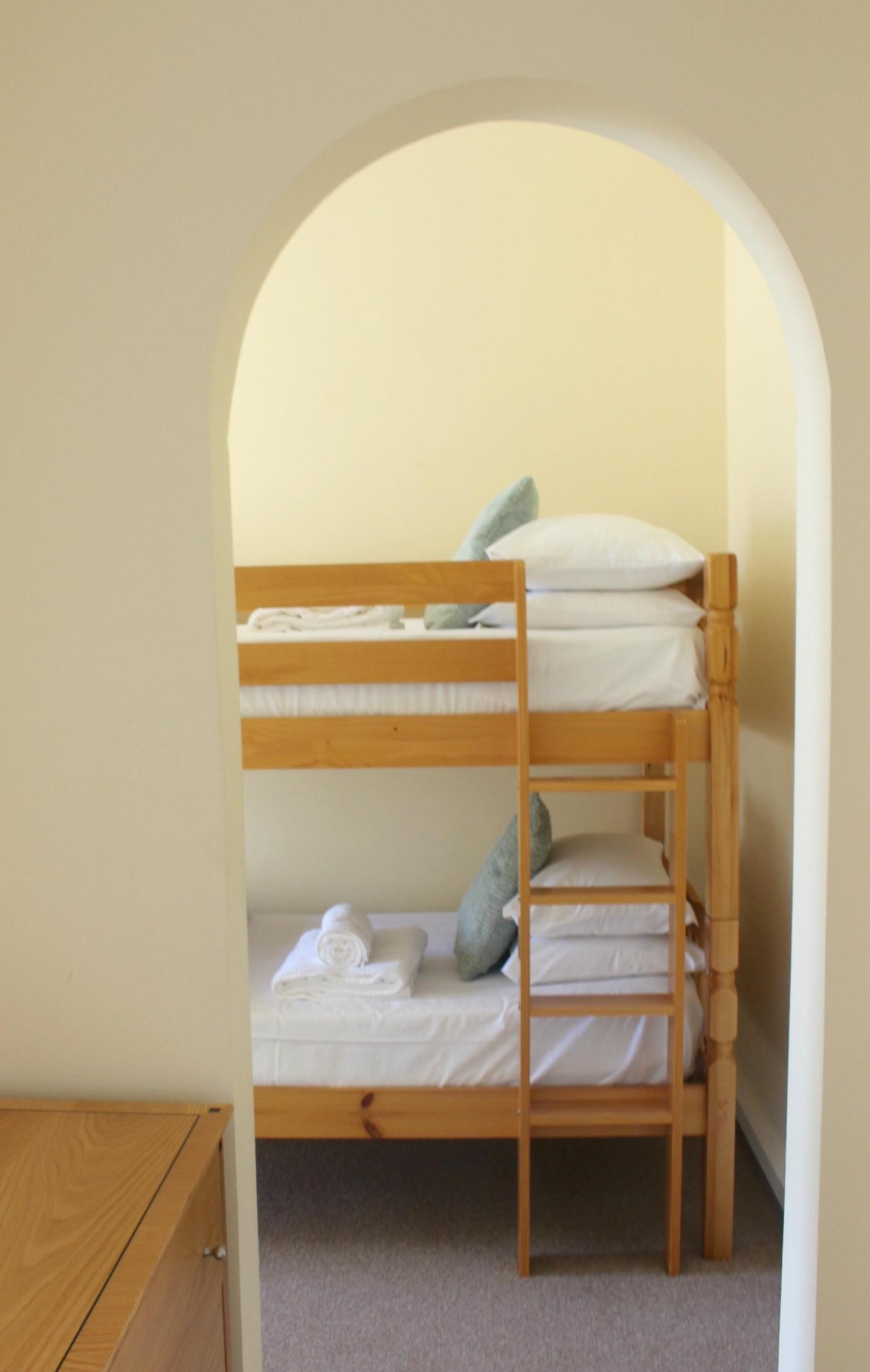 tregenna castle family room bedroom