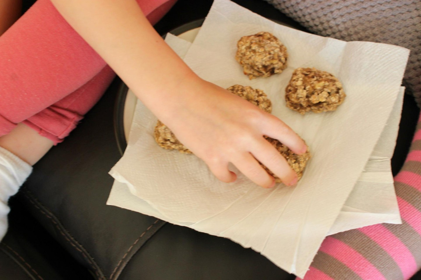 Banana and oat balls