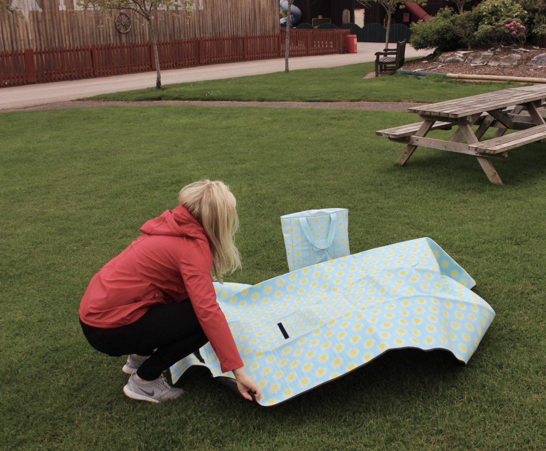 HEMA picnic blanket