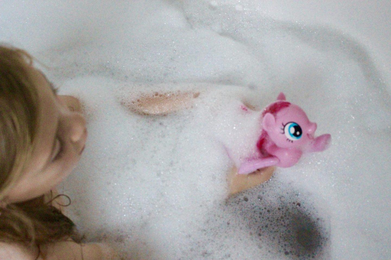 Pinkie Pie Swimming Sea Pony