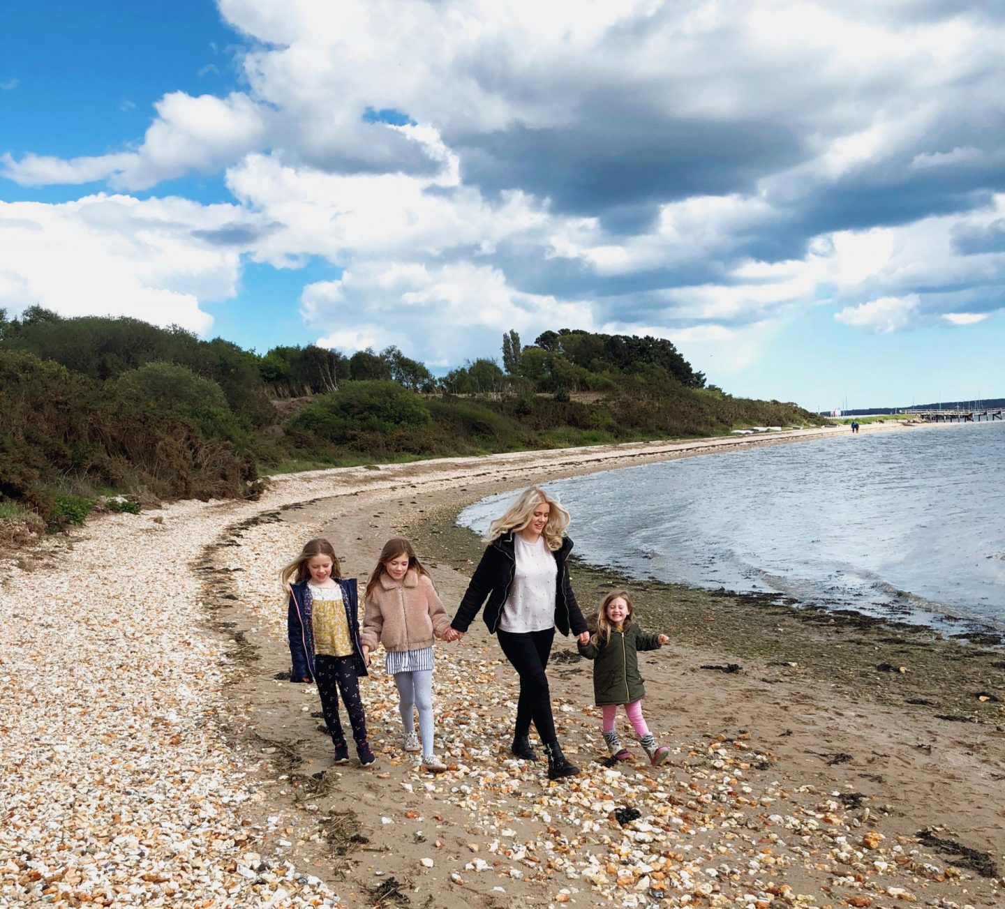 A guide to the best beaches in Dorset - lake pier