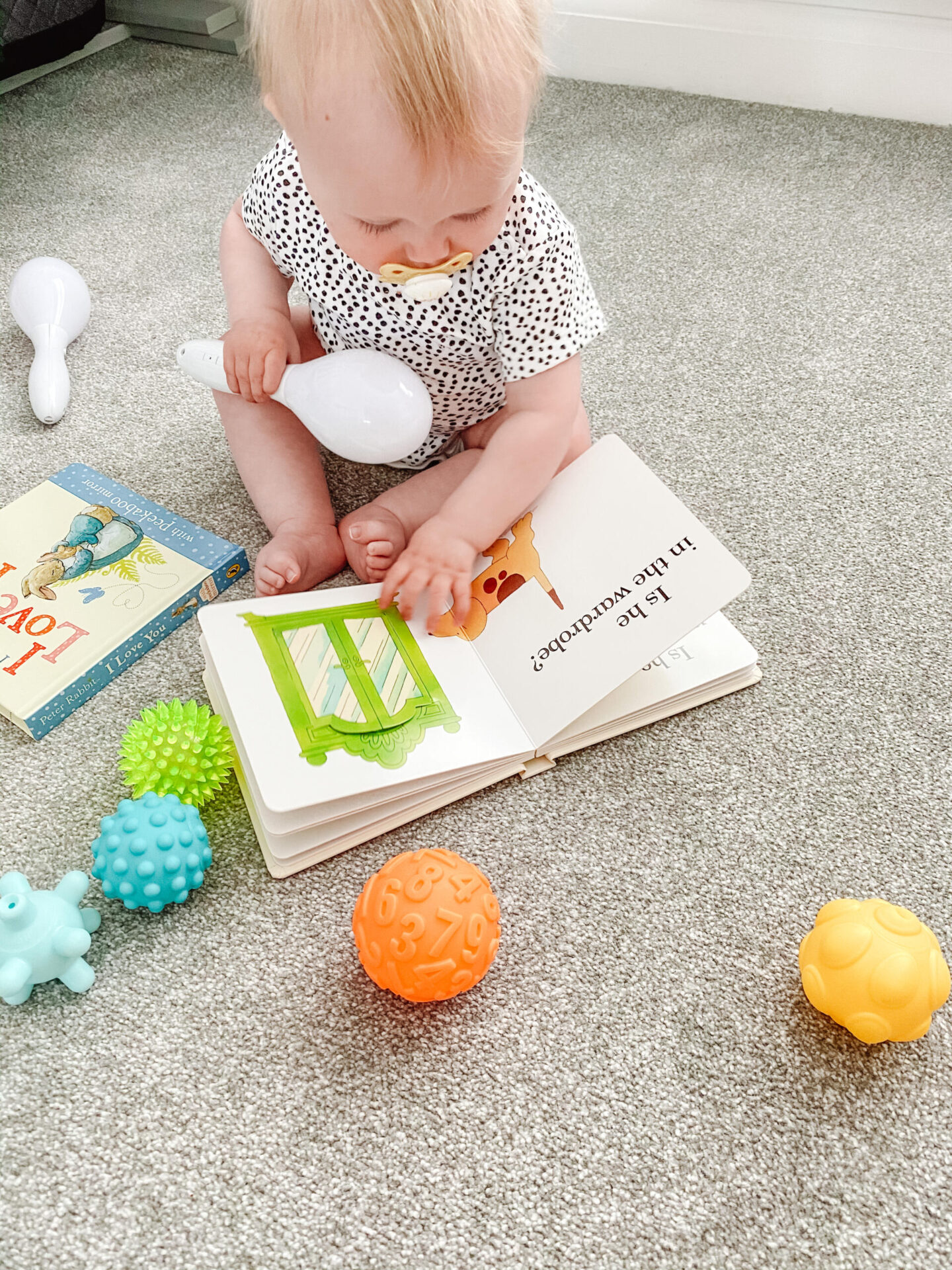 Activities to entertain your 6-9 month old baby