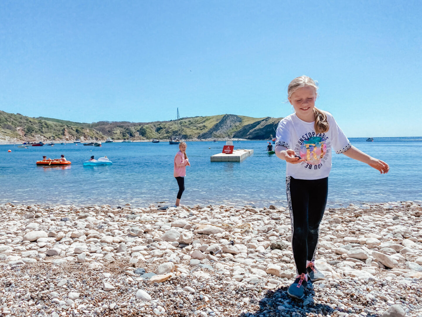 A guide to the best beaches in Dorset - lulworth cove