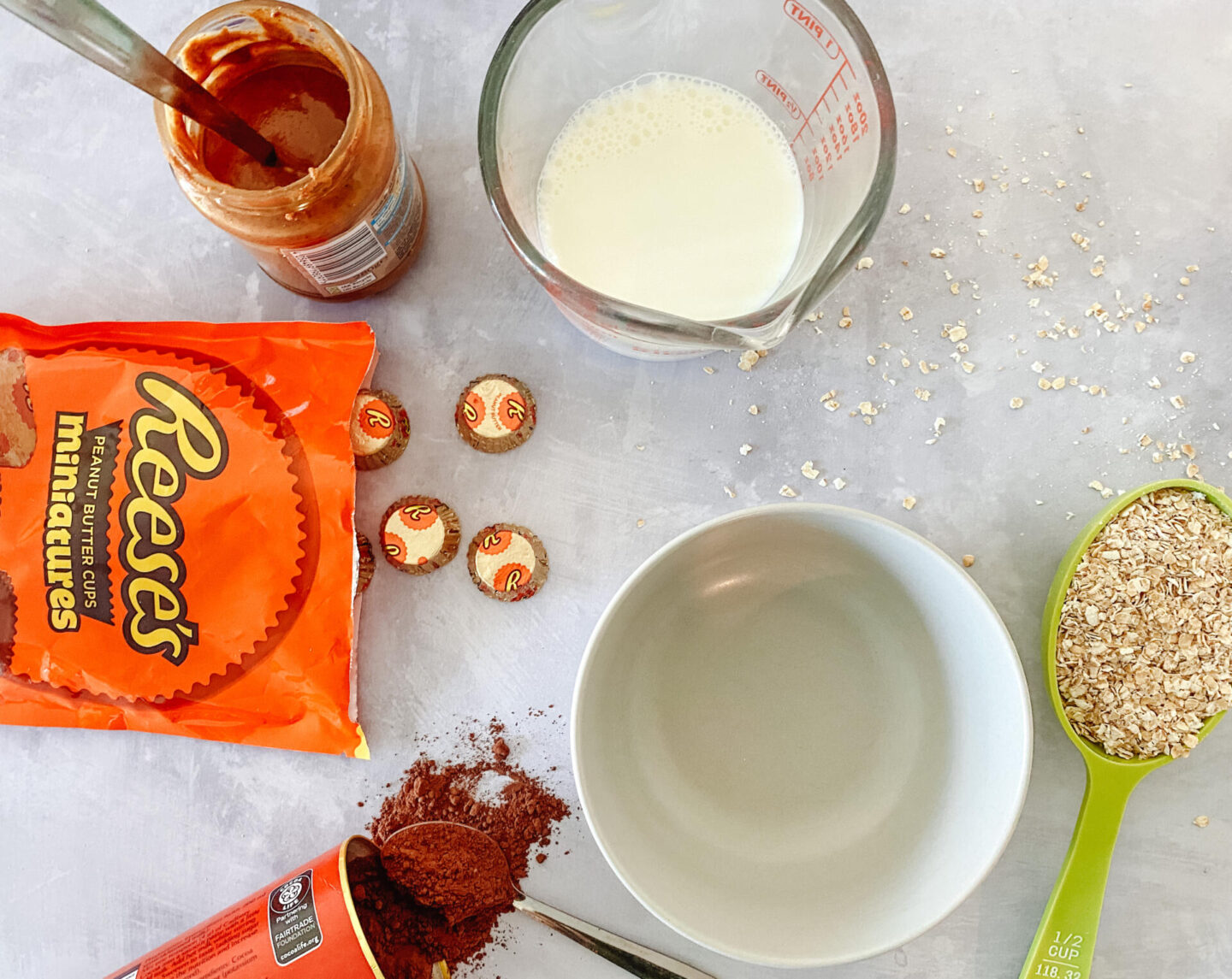 Reese's Peanut Butter Overnight Oats Recipe Ingredients